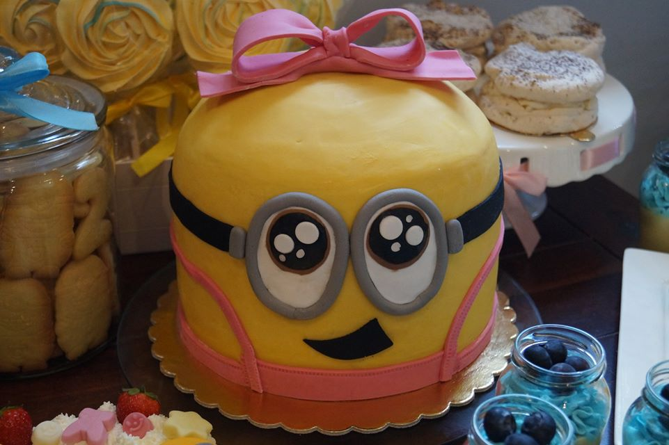 Urodziny dziecka Minionek tort 3d dziewczynka Minionka różowe ogrodniczki Gorzów